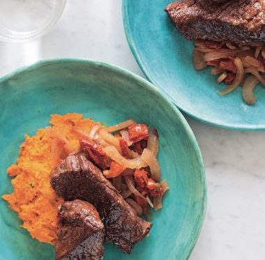 Sun-Dried Tomato and Fennel Braised Short Ribs with Pepper and Carrot Puree – The Paleo Foodie