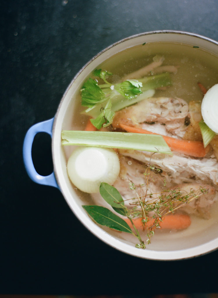How to Make Chicken, Beef and Fish Stock - Sustainable DishSustainable ...